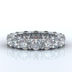 9 Carats round diamond eternity wedding band white